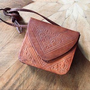 Small Vintage Tooled Leather Purse